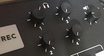 Rodecaster Pro headphone knobs and volume knob